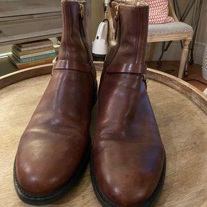 Chestnut low flat boots